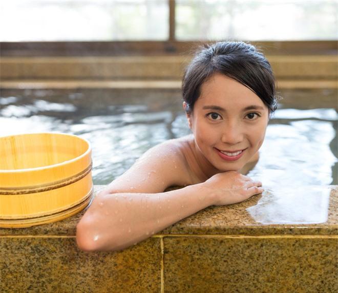 9 bí quyết làm đẹp thừa hưởng từ cổ nhân giúp phụ nữ Nhật Bản luôn trẻ hơn hàng chục tuổi - Ảnh 6.