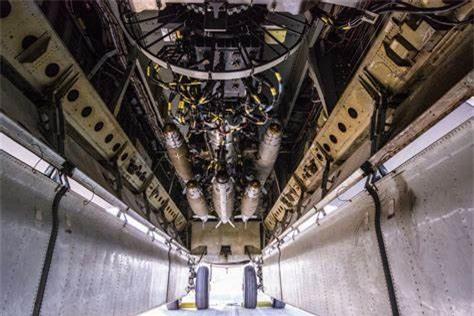 47 nam tran Dien Bien Phu tren khong: Khoang bom khong lo cua B-52 co thay doi gi?-Hinh-4