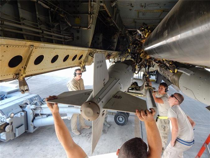 47 nam tran Dien Bien Phu tren khong: Khoang bom khong lo cua B-52 co thay doi gi?-Hinh-9