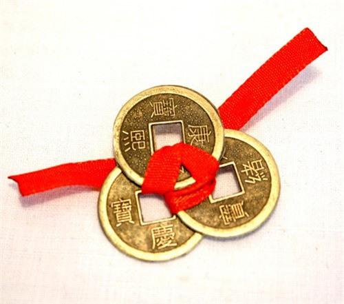 Đồng xu giúp kích vận khí may mắn