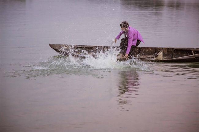 Hồ Việt Trung gặp sự cố té xuống sông, nhập viện cấp cứu vì nhiễm trùng đường ruột  - Ảnh 10.