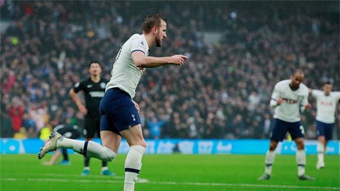 Kane ghi bàn gỡ hòa cho Tottenham