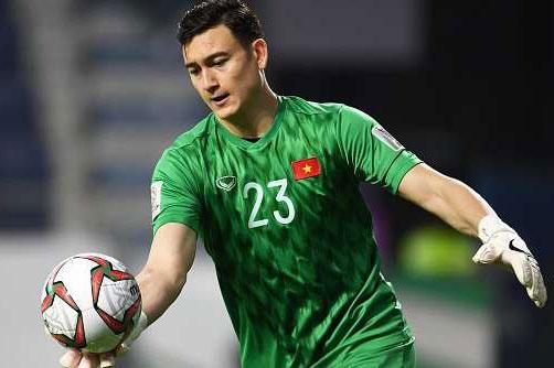 Vì e sợ giá trị của Văn Lâm sẽ tăng vọt sau Asian Cup 2019, Muangthong đã gấp rút làm việc với Hải Phòng để hoàn tất phi vụ ngay trong tháng 12/2018