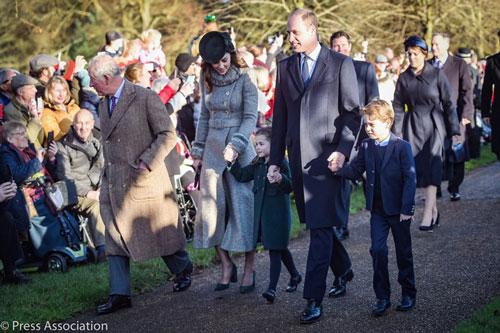 chị dâu Kate rạng rỡ dự Giáng sinh cùng gia đình nhà chồng