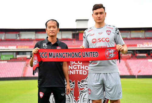 Văn Lâm thể hiện phong độ cực ấn tượng ngay mùa đầu ra mắt Muangthong, góp công giúp đội nhà cán đích trong top 5 Thai League 1 - 2019
