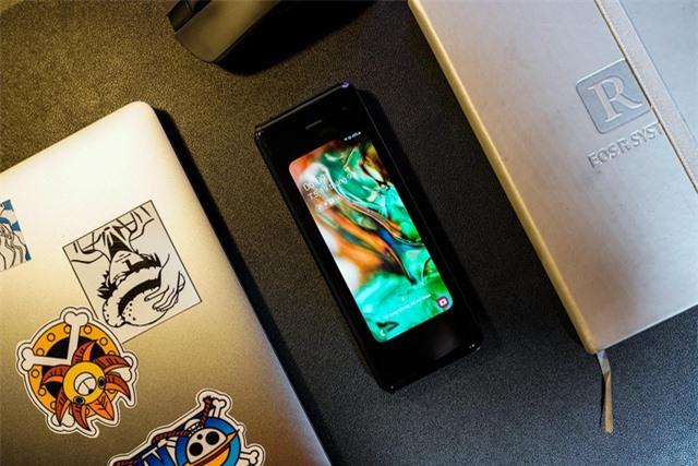 2 tuần trải nghiệm Samsung Galaxy Fold: Thú vị nhưng giá cao - 1
