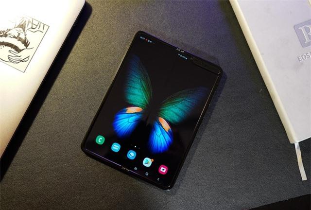 2 tuần trải nghiệm Samsung Galaxy Fold: Thú vị nhưng giá cao - 5