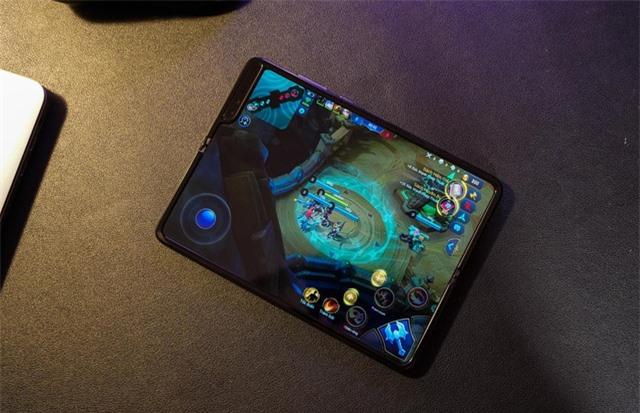 2 tuần trải nghiệm Samsung Galaxy Fold: Thú vị nhưng giá cao - 8