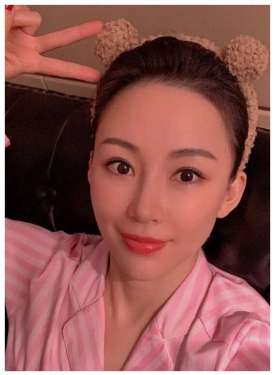 Chân dung nữ VĐV giàu có số 1 Trung Quốc: Gần bước sang tuổi tứ tuần Tuy nhiên nhìn như đôi mươi, vẫn đang chờ một đấng nam nhi đủ tầm để lên xe hoa - Ảnh 5.