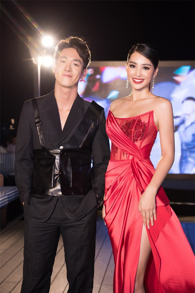 Tiểu Vy ngày càng quyến rũ, diện váy xẻ cao khoe chân dài sexy giữa bộ đôi mỹ nam Song Luân và Lãnh Thanh - Ảnh 6.