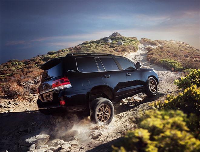 Toyota Land Cruiser 2020 ra mắt với giá hơn 4 tỉ đồng - 2
