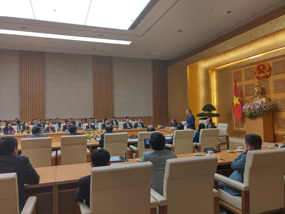 The Prime Minister speaks at the meeting. Photo: Hoang Lan