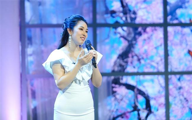 """2 tháng sau sinh, Bảo Trâm Idol tái xuất xinh ngỡ ngàng tại """"Những phụ nữ có gu"""" - Ảnh 2."""