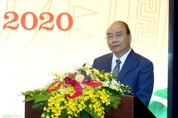 Thủ tướng Nguyễn Xuân Phúc phát biểu tại Hội nghị triển khai nhiệm vụ năm 2020 của Bộ TT&TT .