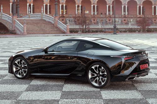 =8. Lexus LC 500h 2019 (thời gian tăng tốc từ 0-96 km/h: 4,7 giây).