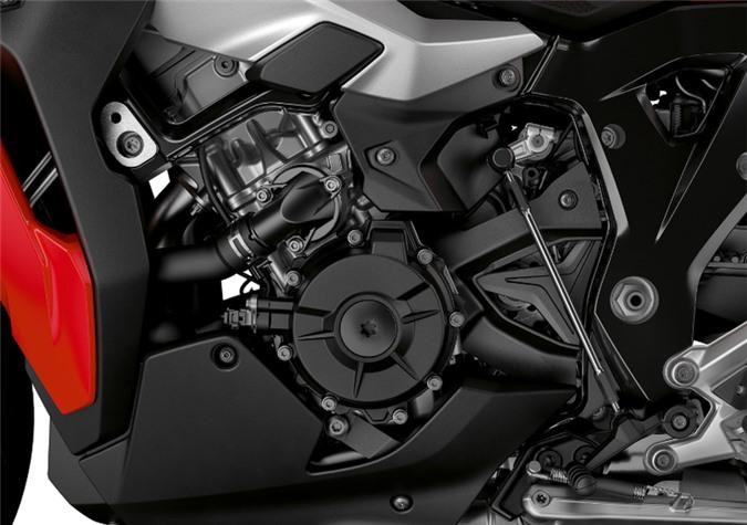 bmw motorrad s 1000 xr 2020: tang cong suat, giam can nang hinh 3