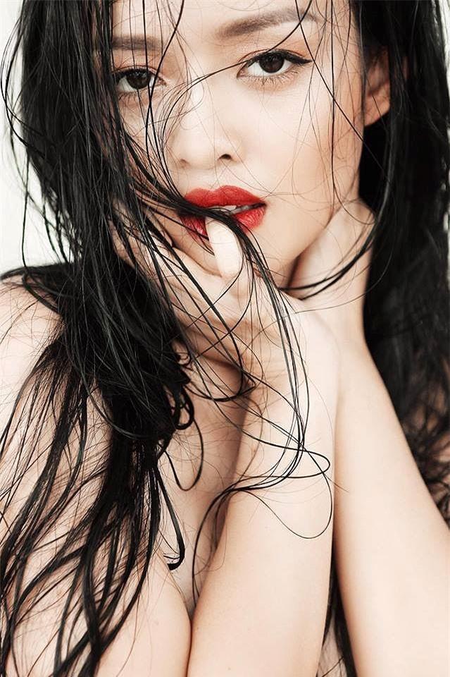Cận cảnh nhan sắc của nữ diễn viên đóng cảnh nóng khi chưa đủ tuổi 18.