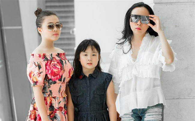 Con gái thứ hai của Phượng Chanel gây bão với phong thái xách túi shopping chuẩn rich kid, đúng là không đùa được với nhà giàu - Ảnh 4.