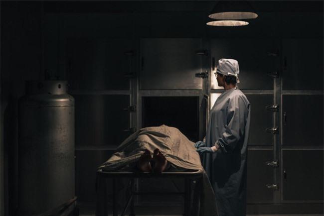 Những trường hợp tỉnh dậy sau cơn thập tử nhất sinh thường cho biết họ đi qua một đường hầm đầy ánh sáng. Ảnh: Burst.