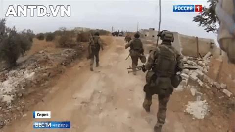 Quan doi Syria manh tay khi dua loat sung may PK cua Nga vao chien truong Idlib-Hinh-19