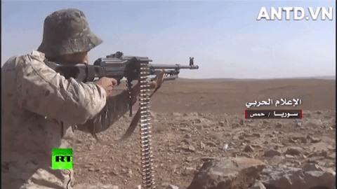 Quan doi Syria manh tay khi dua loat sung may PK cua Nga vao chien truong Idlib-Hinh-4