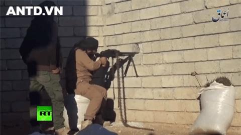 Quan doi Syria manh tay khi dua loat sung may PK cua Nga vao chien truong Idlib-Hinh-5