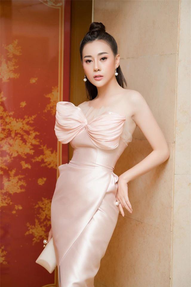 """Quỳnh búp bê Phương Oanh ngày càng xinh đẹp, nhan sắc thăng hạng trông thấy sau hơn 1 năm công khai """"dao kéo"""" - Ảnh 1."""