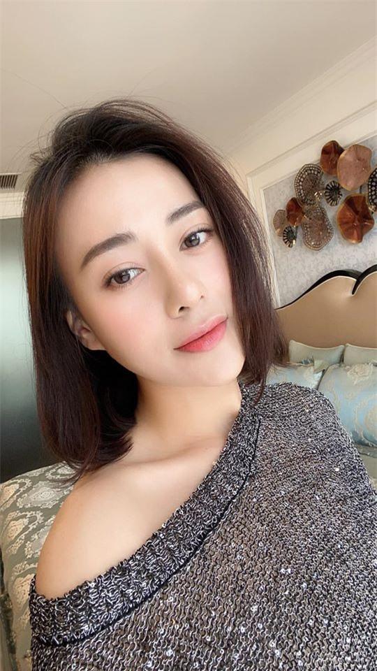"""Quỳnh búp bê Phương Oanh ngày càng xinh đẹp, nhan sắc thăng hạng trông thấy sau hơn 1 năm công khai """"dao kéo"""" - Ảnh 4."""