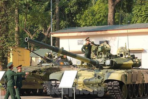 Bộ đôi T-90S và BMP-2 của lục quân Việt Nam