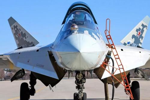 Quá trình bàn giao tiêm kích Su-57 cho Không quân Nga bị trễ hẹn 6 tháng. Ảnh: TASS.