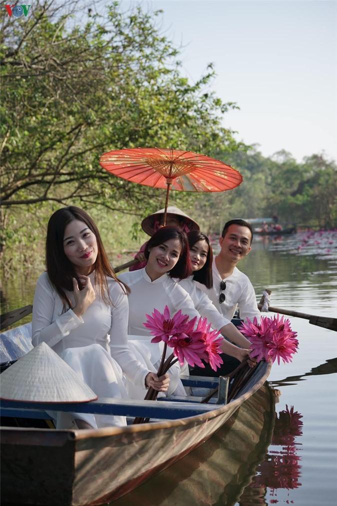 hoa sung chua huong van dep nao long trong gia lanh mua dong hinh 4