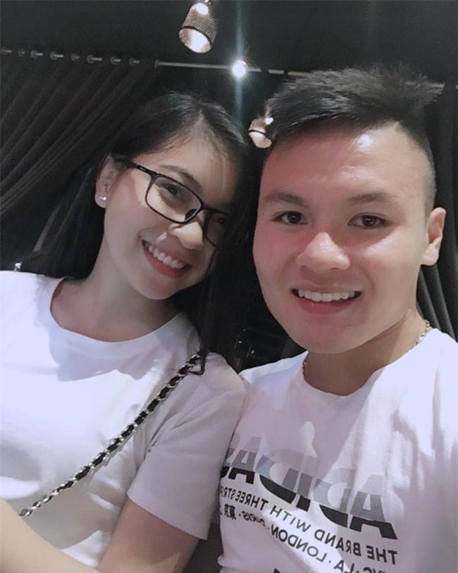 Quang Hải vừa có bạn gái mới, Nhật Lê cũng xóa hết ảnh thời yêu đương xưa cũ, chấm dứt mối tình năm 17 tuổi  - Ảnh 1.