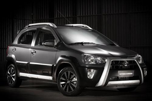 Toyota Etios Cross.
