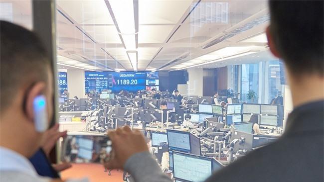 Tương lai nghề môi giới chứng khoán nhìn từ thị trường Hàn Quốc