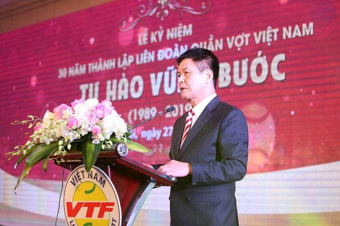 Ông Nguyễn Quốc Kỳ, Chủ tịch Liên đoàn Quần vợt Việt Nam tri ân các nhà tài trợ