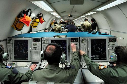 Thời gian gần đây, không quân Mỹ và đồng minh thường xuyên tiến hành các chuyến bay trinh sát điện tử quanh các căn cứ quân sự Nga thiết lập trên lãnh thổ Syria.