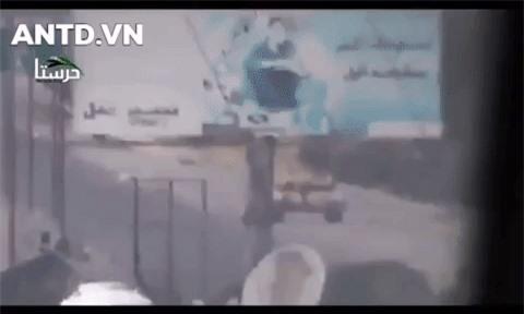 Kinh ngac binh si Syria lieu minh vac ca phao SGP-9 len vai khai hoa-Hinh-14