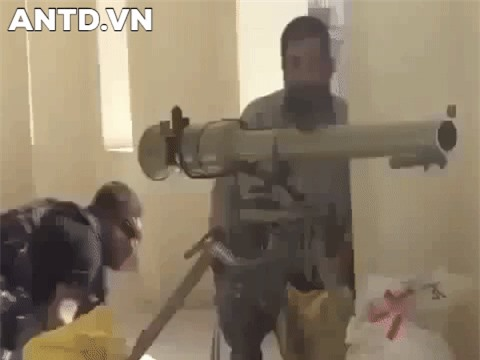 Kinh ngac binh si Syria lieu minh vac ca phao SGP-9 len vai khai hoa-Hinh-15