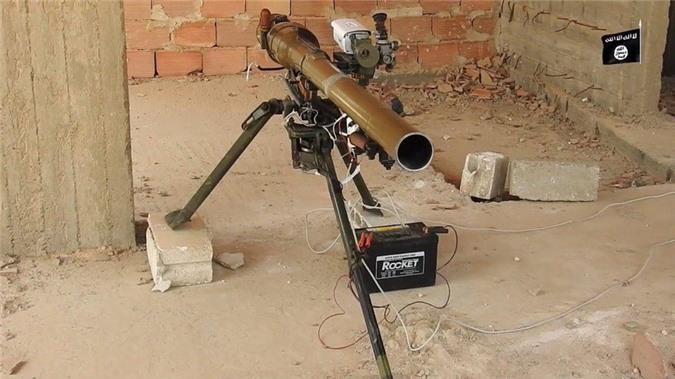 Kinh ngac binh si Syria lieu minh vac ca phao SGP-9 len vai khai hoa-Hinh-8