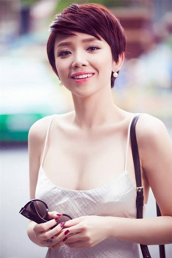 Diem danh sao Viet nhin nhu thieu nu doi muoi khi de toc ngan-Hinh-2