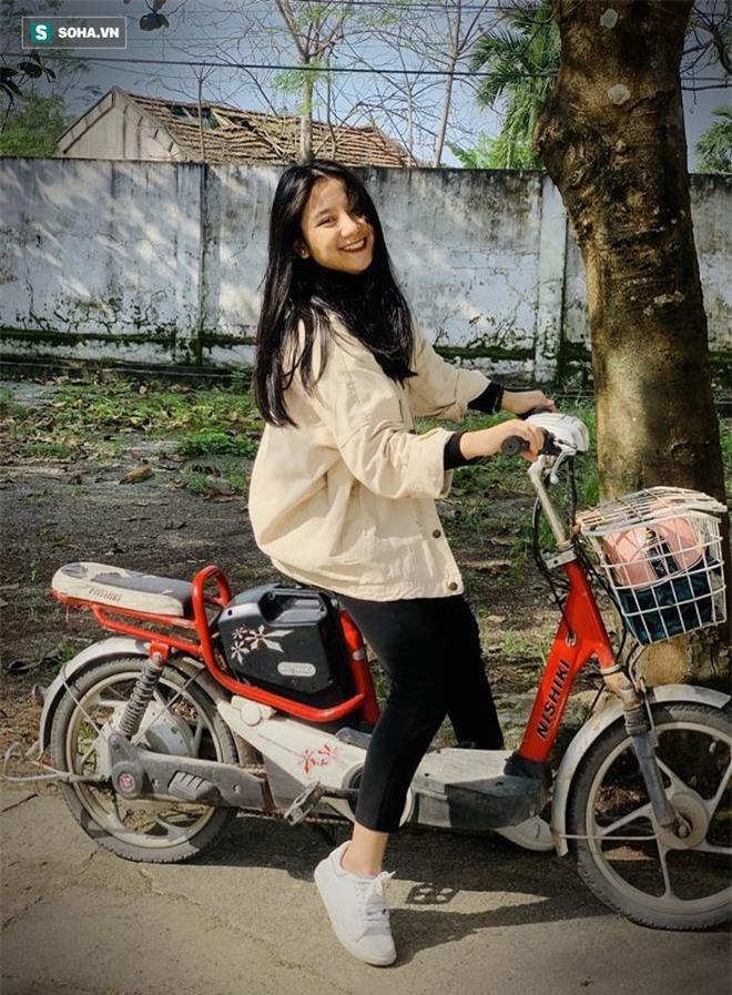 Được khen giống mỹ nhân Địch Lệ Nhiệt Ba, nữ sinh 18 tuổi khoe ảnh trước dậy thì gây bất ngờ 15
