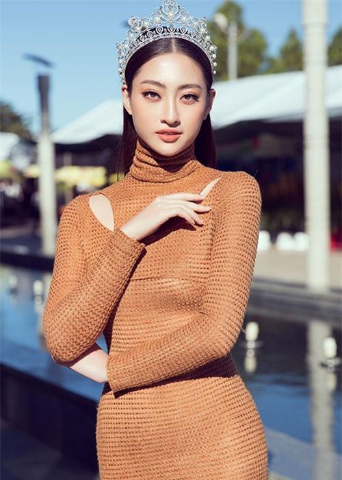 Luong Thuy Linh tiet lo cat-se khong ngo khi du su kien-Hinh-2