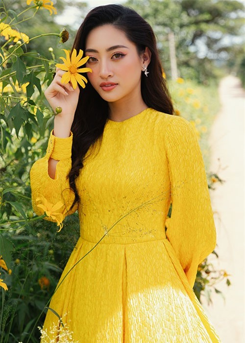 Luong Thuy Linh tiet lo cat-se khong ngo khi du su kien-Hinh-5