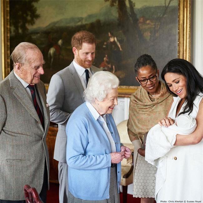 """Là nhân vật bị ghét nhất nhì Hoàng gia Anh, Công nương Meghan Markle quyết định nuôi con theo cách """"một mình một lối"""" như này - Ảnh 5."""