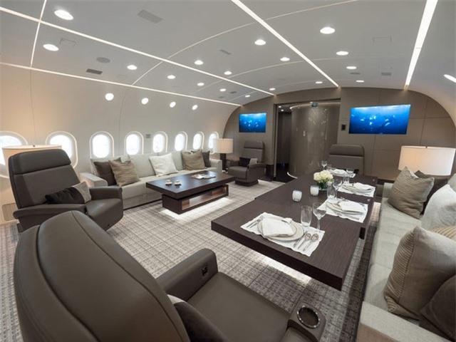 Nội thất sang chảnh bên trong các máy bay tư nhân đắt đỏ nhất thế giới - 17