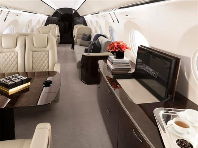 Nội thất sang chảnh bên trong các máy bay tư nhân đắt đỏ nhất thế giới - 4