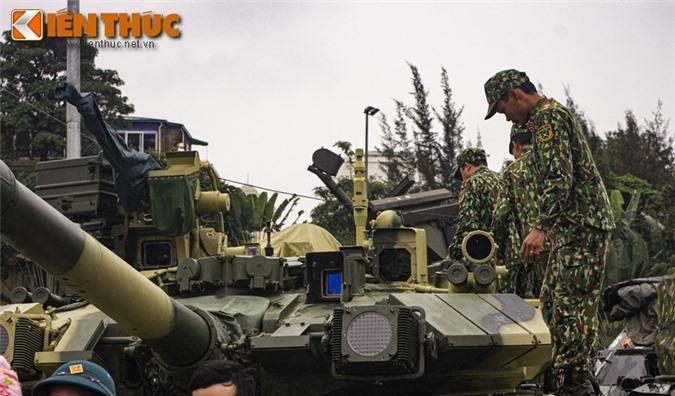 Uu, nhuoc diem cua he thong nap dan tu dong tren xe tang T-90 Viet Nam-Hinh-5