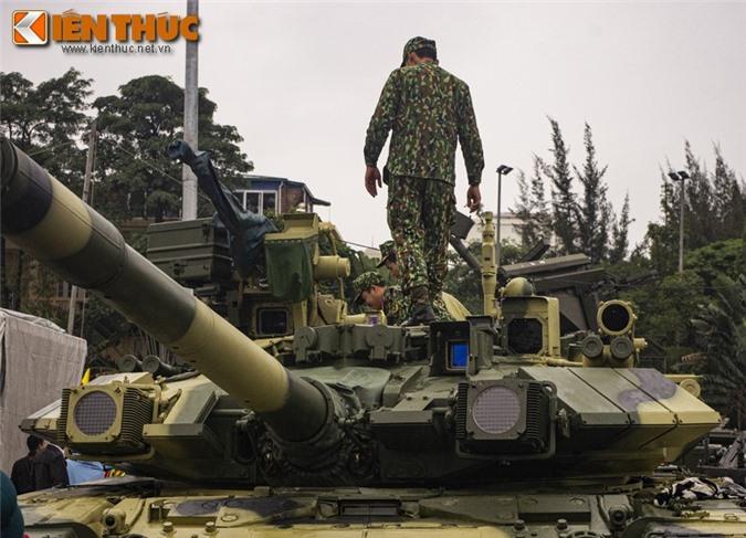 Uu, nhuoc diem cua he thong nap dan tu dong tren xe tang T-90 Viet Nam-Hinh-6