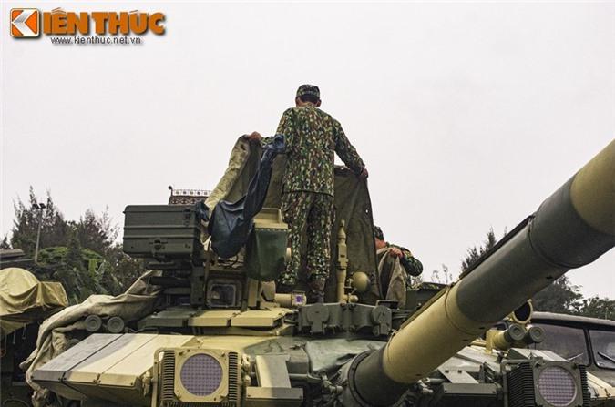 Uu, nhuoc diem cua he thong nap dan tu dong tren xe tang T-90 Viet Nam-Hinh-8