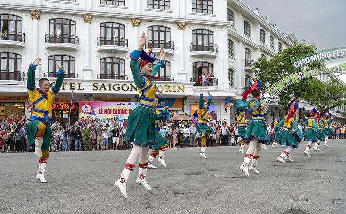 """Lễ hội đường phố """"Sắc màu văn hoá"""""""